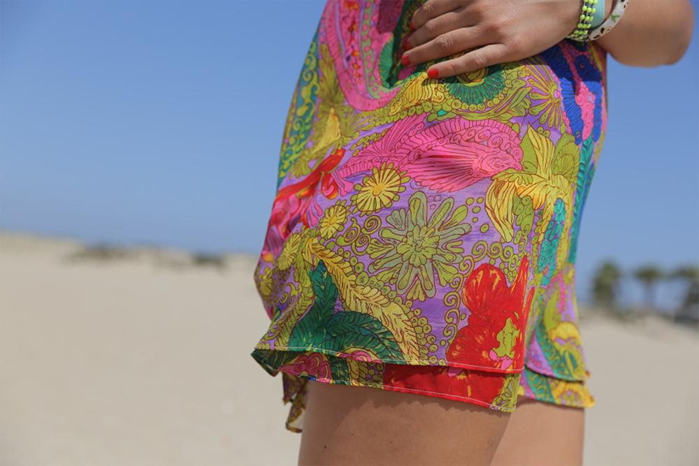 floral-beach-mini-close